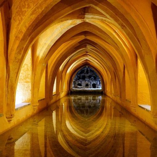 El Alcázar de Sevill bath