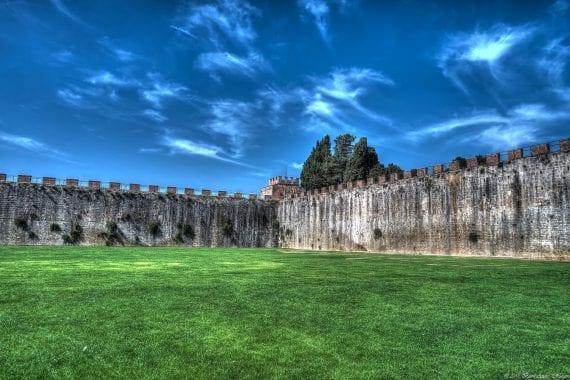 Pisa city wall