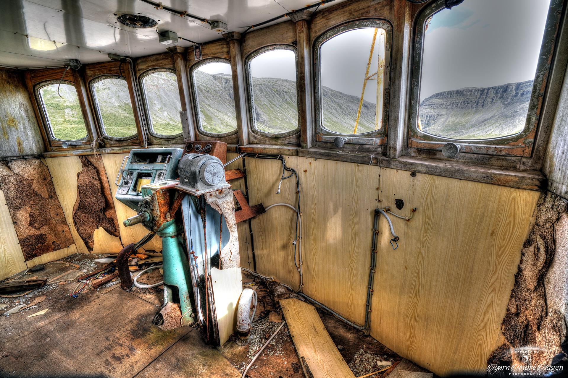 BA64 Gardar Wheelhouse inside